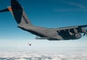 A400M y paracaidistas