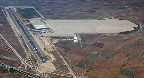 Imagen aérea del aeropuerto de Teruel en 2012
