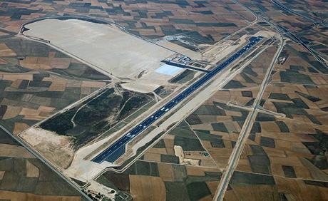 Vista aérea del aeropuerto industrial de Teruel. La pista tiene 2.850 metros de largo