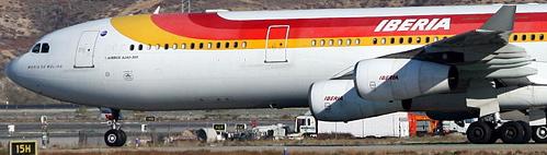 Airbus A340 de Iberia, en Madrid-Barajas / foto: José Ramón Pérez Ebrí