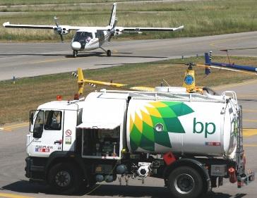 Suministro de combustible en el Aeropuerto de Sabadell