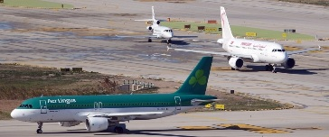 Aviones en el aeropuerto de Barcelona - El Prat / Foto: Adolfo Malet