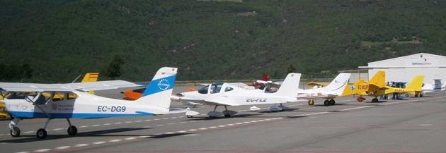 Ultraligeros en el aeródromo de La Seu d'Urgell