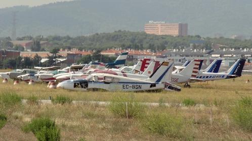 Aviones abandonados en el Aeropuerto de Sabadell / Foto: AeroTendencias.com