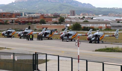 Los cinco Eurocopter EC-120 Colibrí de la Patrulla Aspa, en el Aeropuerto de Sabadell en una anterior edición de la Festa al Cel