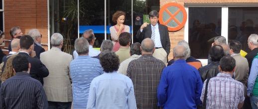 Imagen de la concentración realizada ayer en el Aeropuerto de Sabadell