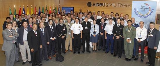Imagen de grupo de asistentes / Foto: Airbus Military