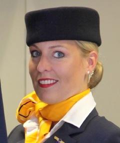 Azafata de Lufthansa