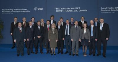 Ministros y representantes europeos en el Consejo Ministerial 2012
