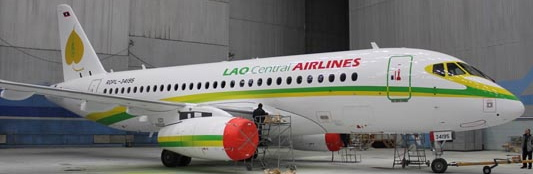 Lao Central pintura Superjet 100