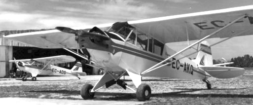 Las Piper J3 Cub EC-AKQ y EC-ADS / Foto: Archivo Leandre Escorell