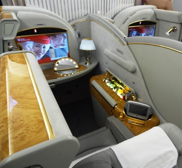 El A380 que vino a Barcelona cuenta con 14 suites privadas de primera clase
