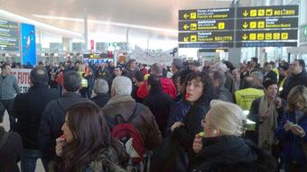 Manifesstación en el aeropuerto de Madrid-Barajas