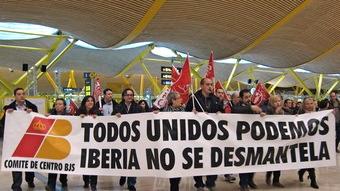 Protesta de trabajadores de Iberia en el aeropuerto de Madrid-Barajas