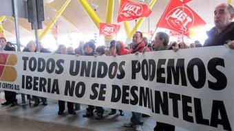 Protesta multitudinaria ayer en Madrid-Barajas al inicio de la segunda semana de huelga