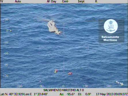 Imagen del rescate / Foto: Salvamento Marítimo