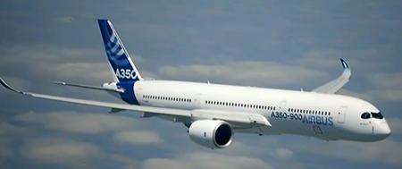 Airbus A350 XWB, durante su primer vuelo