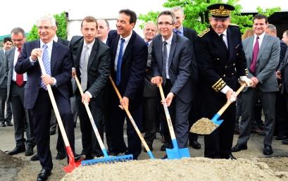 Directivos de Eurocopter y autoridades simbolizan el inicio de las obras