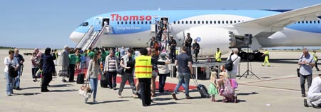 El avión aterrizó el pasado viernes en Menorca y se festejó la llegada