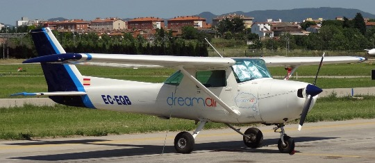 Cessna 150M Commuter de la Escuela de Pilotos Dreamair