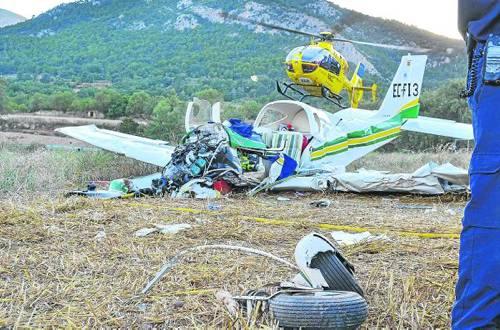 El avión perdió sustentación al aterrizar en un campo