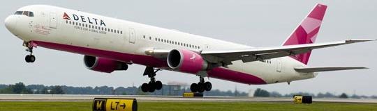 El Avión Rosa ayuda a la lucha contra el cáncer de mama