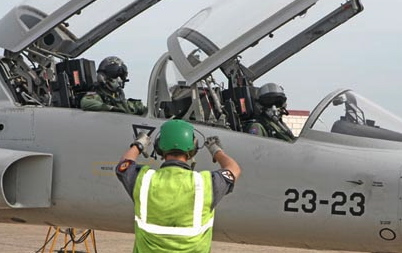 El curso lo realizan 16 pilotos / Foto: Ministerio de Defensa