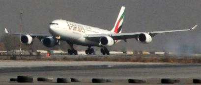 Llegada a Kabul de A340 de Emirates