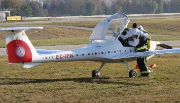 Imagen del rescate de los ocupantes de avión