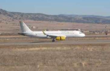 El A320, en el aeropuerto de Teruel
