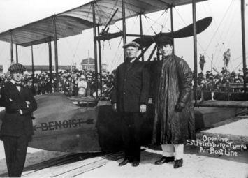 Los protagonistas del primer vuelo comercial