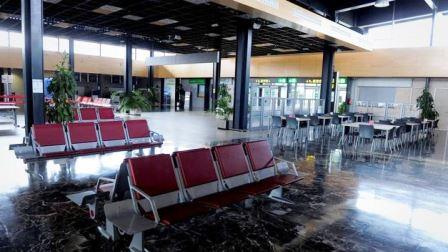 Edificio terminal del Aeropuerto de Huesca