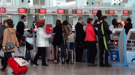 Pasajeros en el aeropuerto de Barcelona