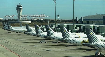 Aviones de Vueling, en el aeropuerto de Barcelona - El Prat / Foto: JFG