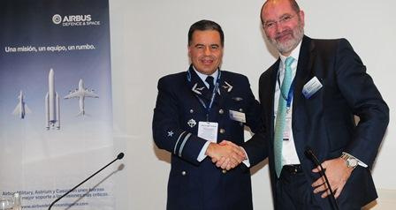 El general chileno Henry Cleveland y Antonio Rodríguez Barberán