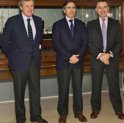 Ignacio Mataix, junto a José Angel Corres, presidente de la Cámara de Comercio de Bilbao y Juan Mª Saénz de Buruaga, vicepresidente