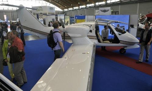 El V-24, expuesto este mes en Aero Friedrichshafen 2014 / Foto: Softex Aero