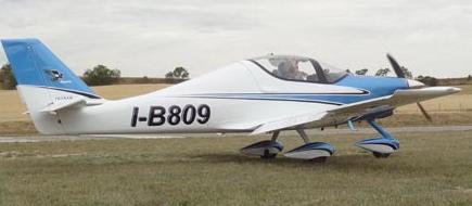 El Tecnam Astore, una de las novedades presentadas en Aerosport 2014 / Foto: JFG