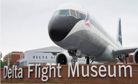 Este avión recibe al visitante / Foto: Delta