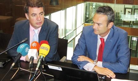 Vicente Fernández y Joaquín Rodríguez, ayer durante la rueda de prensa
