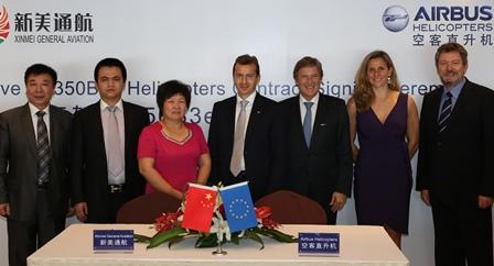 Representantes de las empresas chinas y de Airbus Helicopters