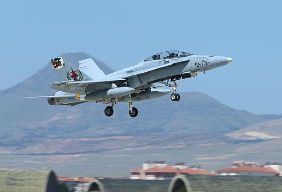 Uno de los F-18 españoles aterrizando en Konya (Turquía) / Foto: Ministerio de Defensa
