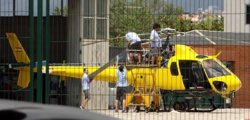 Técnicos de mantenimiento de aeronaves, en el aeropuerto de Sabadell