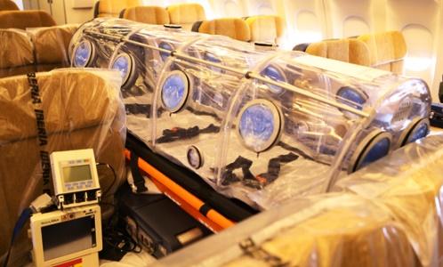 Dispositivo de aislamiento, colocado dentro del A310 del Ejército del Aire