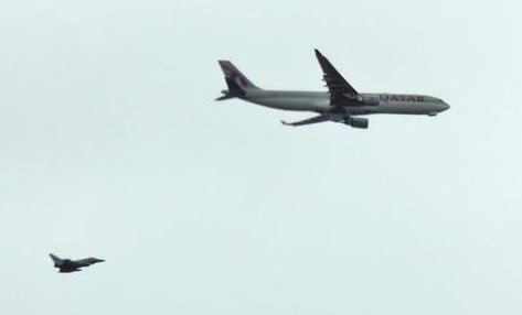 El pasado mes de agosto un avión de Qatar Airways fue escoltado por un caza en el Reino Unido por falsa alarma de bomba en el avión