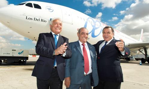 Los del Río, con Antonio Hidalgo y el A330-200