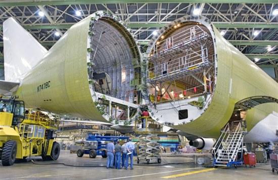 Fabricación de un Boeing 747 de carga