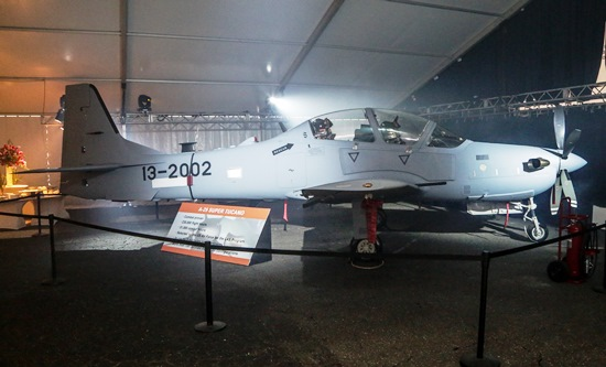 El primer A-29 Super Tucano que se destinará a la fuerza aérea de Afganistán / Foto: Embraer
