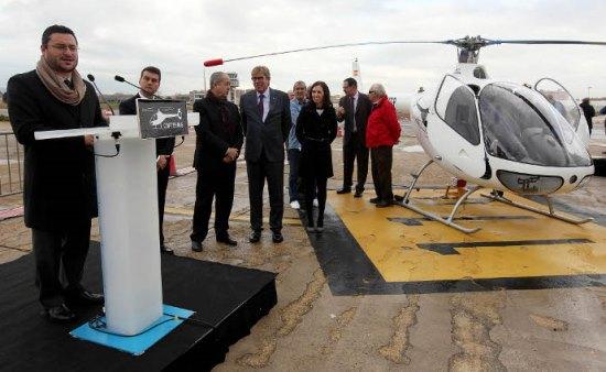 El alcalde de Sabadell, a la izquierda, hoy durante la presentación del Cabri G2 / Juanma Pelaez
