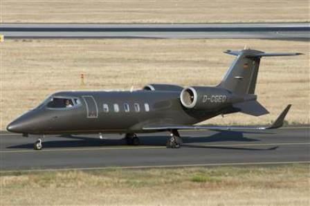 El Learjet 60 del cantante Bono